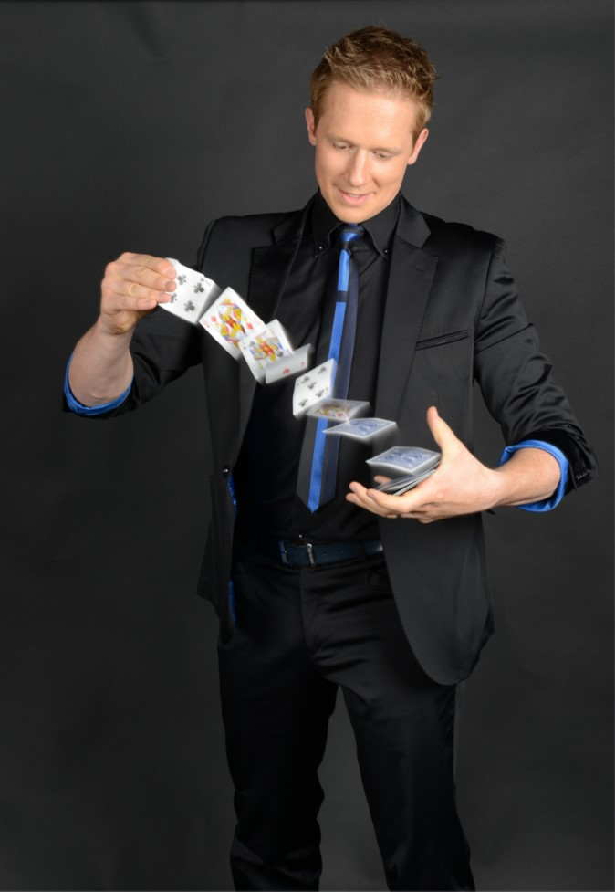 Photo #1 Martin John - Hire a Professional Close-up Table Magician in Berkshire